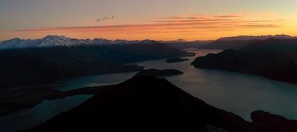 Sunset & sunrise from Roys Peak looking towards Mount Aspiring